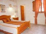 DUN NASTAS holiday house double bedroom with en suite shower room