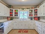 This spacious kitchen has everything you need to prepare your favorite meals.
