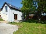 THE STUDIO, breakfast bar, woodburner, open plan, Ballinderreen, Ref 924310