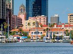 Beautiful downtown St. Petersburg, 15 minutes from condo