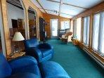 Luxury Cottage on Quiet Lake