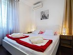 Apartment Vedrana - bedroom