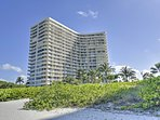 You're just steps from sugary white sands at this prime Marco Island destination!