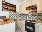 A1(6+1): kitchen
