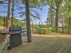 This 6-bedroom, 4.5-bathroom house in Branson is perfect for 16 guests who want to get away from everything in the...