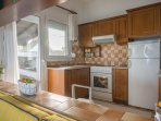 Fully equipped and cozy kitchen