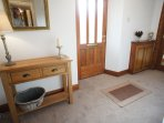 The cottage has been recently upgraded, is beautifully maintained and tastefully decorated.