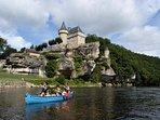 La Dordogne et ses traditionnelles sortie en canoë raviront petits et grands (12 km)
