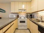 #8-310 Full kitchen