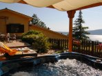 Villa Glicine near Rome with a superb terrace with pergola,  lake view, Jacuzzi, pool to share