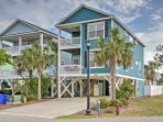 Boasting over 2,000 square-feet of living space,  this lovely beach home offers sleeping accommodations for 14, an...