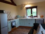 Fully fitted kitchen including dishwasher