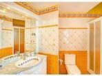 Glamour bathroom on the 1st floor of the main villa