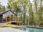 Experience the ultimate getaway to the Hudson Valley area of New York at this beautifully designed 3-bedroom...