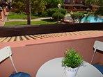 Gran balcón con bonitas vistas y bien amueblado