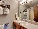 Winterpoint Master Bathroom Breckenridge Lodging