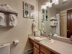 Winterpoint Guest Bathroom Breckenridge Lodging