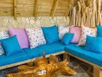 Chalet 3 : sofa details