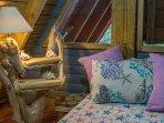 Chalet 3, Indigo Bedroom: details