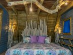 Chalet 3, Indigo Bedroom: King-size bed