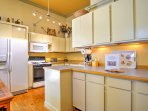 Prepare home-cooked meals for 4 in this fully equipped kitchen!