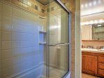 This property features a full bathroom with a shower/tub.
