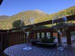Aperitivi o colazioni sull'ampio balcone esclusivo
