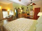 Spacious studio with awesome Tempurpedic mattress!