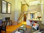 This is a gorgeous open-plan one bedroom apartment in the heart of Cape Town