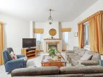Relaxation and comfort in the fully equipped living room