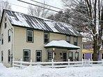 Charming, historic Ludlow home w/yard - close to Okemo skiing