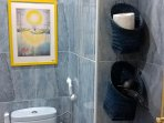 Baño con ducha Bidet, secador,...