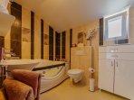 En-suite Jacuzzi Bathroom