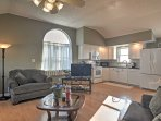 This open living area is perfect for a group of 4.