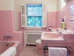 Master Bedroom - En-Suite Bathroom