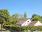 large detached with beautiful gardens only 10 minutes to town and beaches.