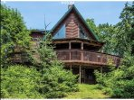 Classic oversized Maine Log Cabin
