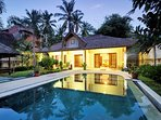 Private self contained 2 Brm, 2 bth Villa with beautiful secure gardens and large pool.