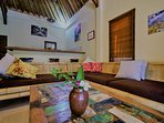 Big Bamboo Lounge, can sleep 1-2 more people