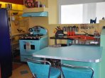 Cool 1950's inspired kitchen