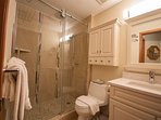 Stoneycreek Sunpath 8 Bathroom