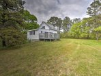 This home is located near the Cape Cod National Seashore, so you'll be minute from nature trails, beaches, wineries and...