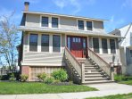 Classic Cape May Craftsman Cottage  - Great location - 17 houses from beach and 3 blocks from town !