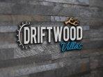 Driftwood Villa Logo
