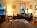 Arcata Stay's Sweet Home Stay 2 BD/ 2 BA bungalow living room