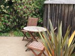 Arcata Stay's Sweet Home Stay 2 BD/ 2 BA bungalow fenced yard outdoor seating