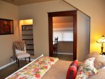 Arcata Stay's Gateway Stay 2 BD/ 2 BA vacation rental Cal king master bedroom