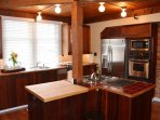 Arcata Stay's Gateway Stay 2 BD/ 2 BA vacation rental kitchen