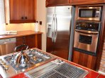 Arcata Stay's Gateway Stay 2 BD/ 2 BA vacation rental kitchen