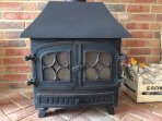 Cosy evenings are guaranteed with the large woodburner